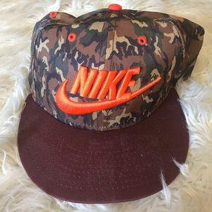 Nike camo hat